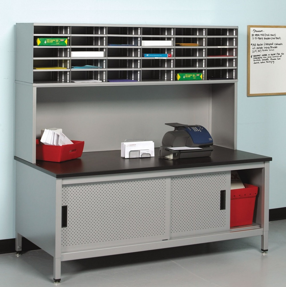 Mail Sorting Station